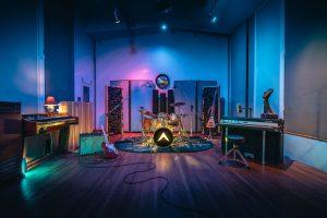 Airship Laboratories,Airship Labs,Brooks Drum,Brooks Drum Company, Vented Snare Maple Snare,Maple Drums,remo,evans Drum Heads,Recording ,Studio, recording Studio